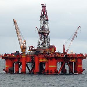 Deepsea Delta oil drilling rig in the North Sea. Photo: Erik Christensen.