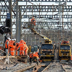 Network Rail awards £2Bn electrification contracts